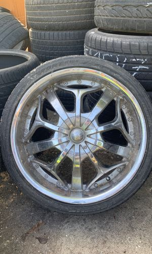 "(3) 20"" Chrome Wheels —RIMS ARE MIS-MATCHED but TIRES HAVE LOTS OF TREAD-LIFE LEFT — PLS LOOK @ PICTURES for Sale in Seattle, WA"