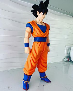 "GIANT * RARE* GOKU FIGURE DRAGON BALL Z (VERY TALL! 15"") for Sale in Miami Beach, FL"