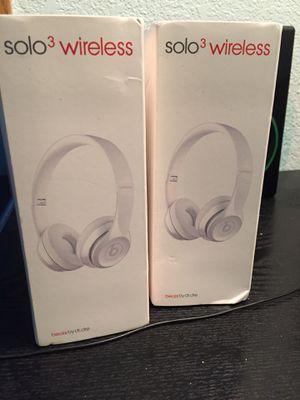 beats solo 3 headphones ( white ) for Sale in Las Vegas, NV