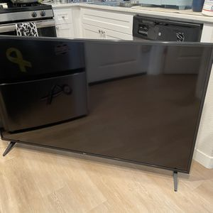 "LG 60"" 4K HDR Smart TV for Sale in Santa Maria, CA"