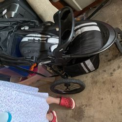 Jogger Stroller for Sale in Toppenish,  WA