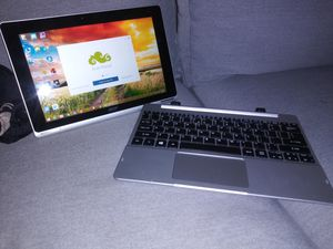 Acer aspire SW5-012 TABLET for Sale in Los Angeles, CA