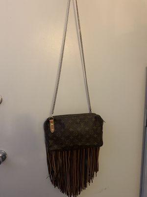 LOUIS VUITTON repurposed authenticate bag for Sale in Phoenix, AZ