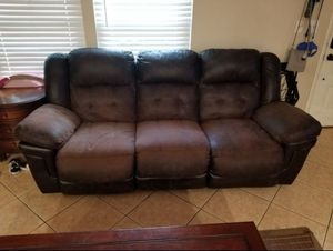 Recliner sofa and love seat for Sale in Medley, FL