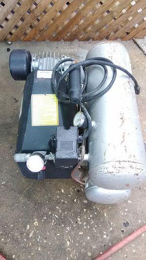 PrimeSource 2 horsepower 4 gallon electric compressor for Sale in St. Petersburg, FL
