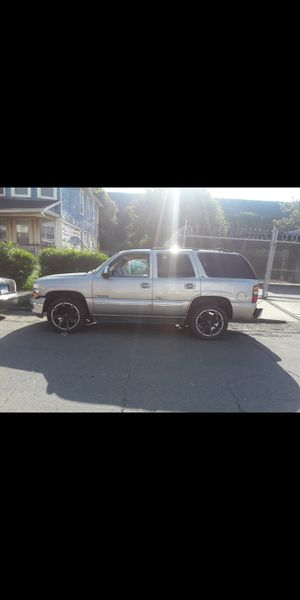 00 Chevy Tahoe lt part out for Sale in Stratford, CT