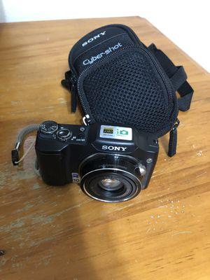 Sony cybershot camera for Sale in Miami, FL