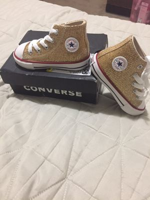 """Toodler Shoe Converse Size """"6"""" for Sale in Vallejo, CA"""