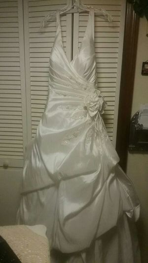 Wedding dress,David Bridal for Sale in Wadesville, IN