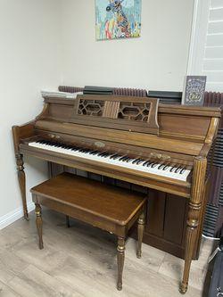 Wurlitzer Upright Piano for Sale in Carmel-by-the-sea, CA