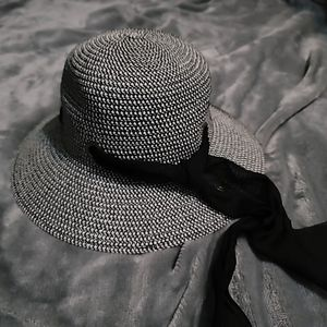 Beach hat for Sale in Port St. Lucie, FL
