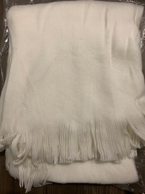 """Threshold throw blanket cream size 60"""" x 50"""" for Sale in Covina, CA"""