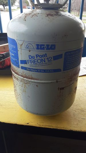 30 pounds of DU PONT FREON for Sale in Fort Worth, TX