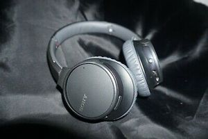 Sony Wireless Noise Canceling Headphones for Sale in Long Beach, CA