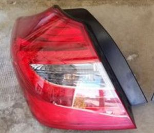 09 2010 2011 2012 Hyundai Genisis headlight for Sale in Los Angeles, CA