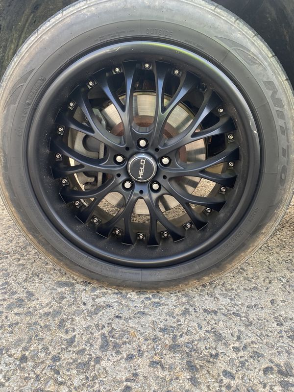 20 inch wheel nitto tires. 5x120- helo brand.