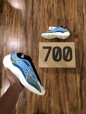 Yeezy 700 'Arzareth' for Sale in Auburn, WA