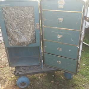 Free Great Project Trunk. Pending Pick Up for Sale in Tacoma, WA