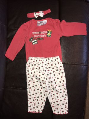 Favorite Gift... 3-piece outfit, size 6-9 mo for Sale in Rustburg, VA