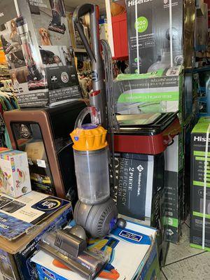 Aspirado Dyson used good condition!!! for Sale in Vernon, CA