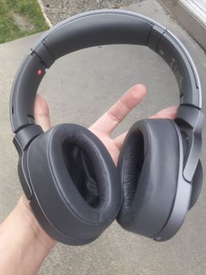 Sony wireless noise cancelling headset Headphones for Sale in Pittsburg, CA