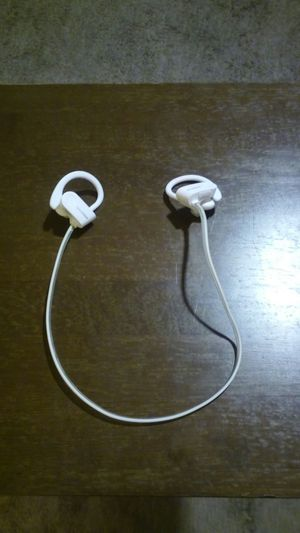 white bluetooth earhook headphones for Sale in Fontana, CA