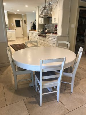 Dining/Breakfast table and 5 chairs for Sale in Phoenix, AZ