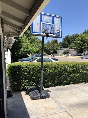 Portable basketball hoop for Sale in Manteca, CA