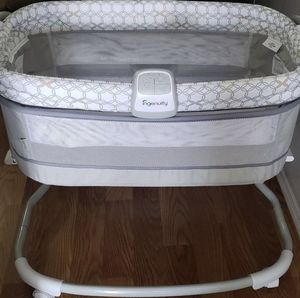 Ingenuity bassinet w/music box & diaper/wipes rack for Sale in La Verne, CA