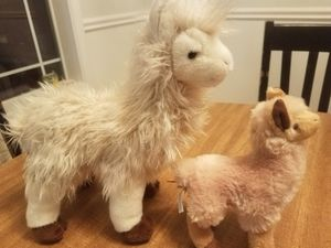 Douglas Llama Plushies beige white & brown soft and cuddly nice and cute pair for Sale in Oregon City, OR