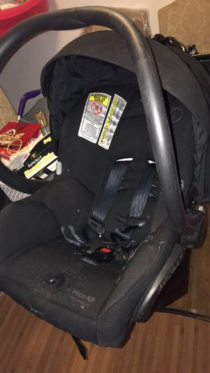 Maxi Cosi infant car seat for Sale in Chicago, IL