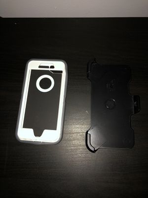 Otter box defender hard case iPhone 8 for Sale in San Antonio, TX