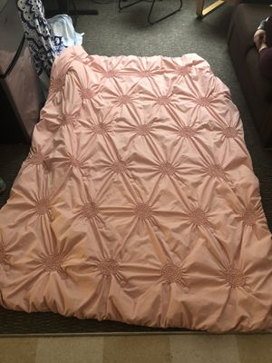 Light pink/peach TWIN XL comforter ($50 OBO!!!) for Sale in Cheyenne, WY