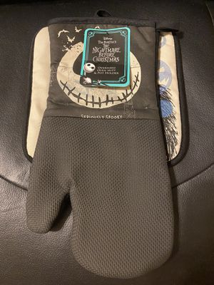 The nightmare before Christmas oven mitt and pot holder for Sale in Chandler, AZ