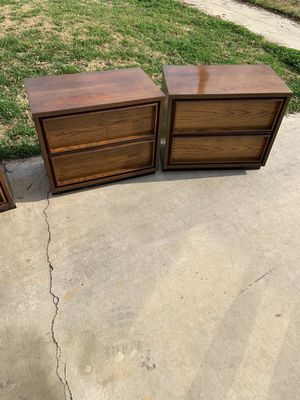 2 night stand or end tables for Sale in Fresno, CA