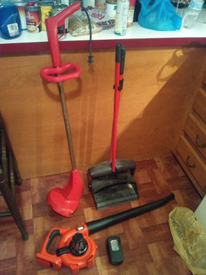 Toro weed whip,black& Decker leaf blower for Sale in Cleveland, OH