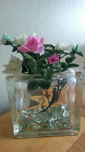 Heavy glass vase w/ fake flowers for Sale in Venice, FL