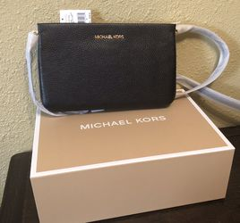 Brand New With Tags And In Gift 🎁 Box Michael Kors Pebbled Leather Purse for Sale in Downey,  CA
