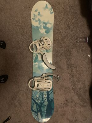 Snowboard with bindings for Sale in Benicia, CA