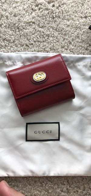 Gucci wallet for Sale in KNG OF PRUSSA, PA