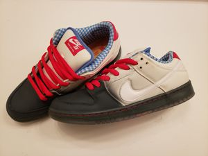 2014 Nike SB Dunk low Wizard of Oz Dorothy size 9 Item 313170 020 for Sale in Fremont, CA