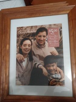 4 Wood Picture Frame 11X14 and One 10x13 for Sale in Hialeah,  FL