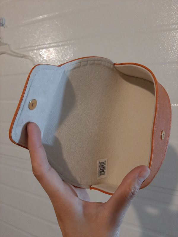 Tory Burch Leather case