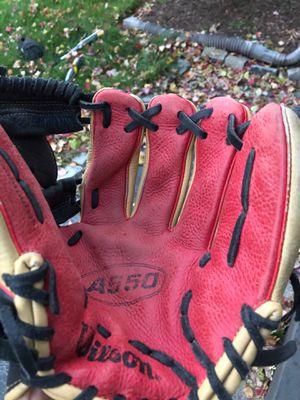 A550 Baseball Glove for Sale in Lincoln, RI