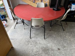 Kids Table w/ 4 chairs for Sale in Suffolk, VA