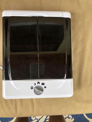 Con air Illumina 2 sided vanity makeup mirror for Sale in Englewood, CO