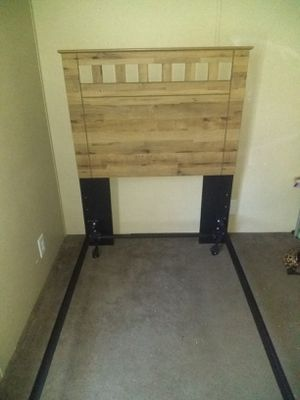 Twin size bed with mattress for Sale in Vinton, LA