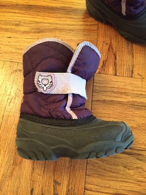 Girls toddler size 8 boots KAMIK for Sale in New York, NY