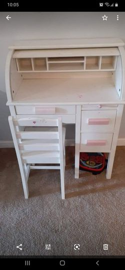 Small desk for Sale in Glenolden,  PA