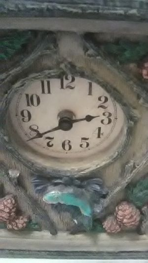 Rainbow Trout Mantle Clock for Sale in Vancouver, WA
